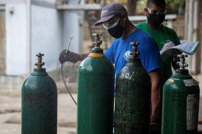 Duarte Frutos anunció compra de oxígeno y medicamentos con fondos sociales de la EBY