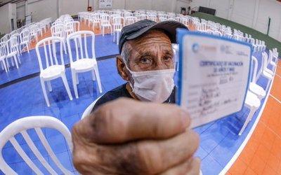 Luego del desastre del hospital de Calle'i, desde hoy vacunan en local de Unace en San Lorenzo