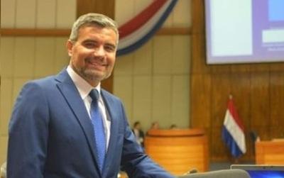 """Diputado Acosta: """"La corrupción es una herencia todavía de la dictadura, el famoso péicha péichante"""""""