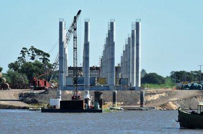 Pescadores denuncian que no pueden trabajar por obras del puente Chaco'i