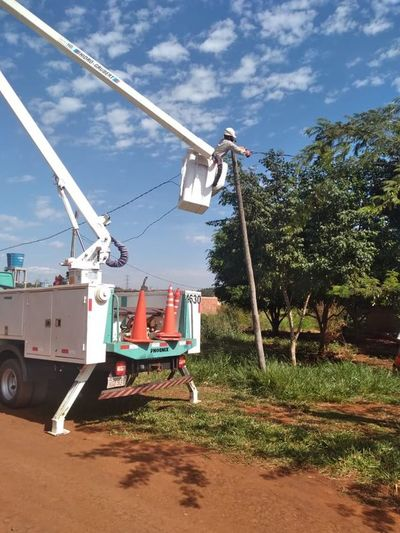 Desmantelan conexiones clandestinas en zona de costanera de CDE
