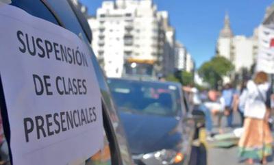 Continúa el paro docente en rechazo a la presencialidad en las escuelas en Buenos Aires
