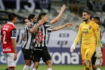 Versus / Cerro fue inocente y Atlético Mineiro le dio una paliza
