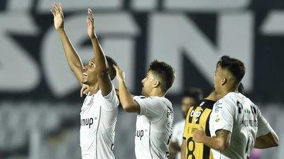 Versus / Santos le da la bienvenida a Florentín con una terrible goleada