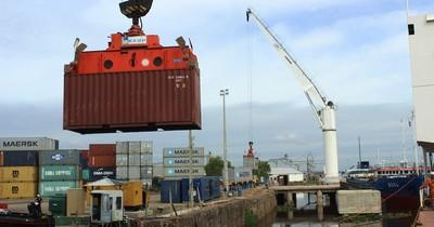 La Nación / Exportaciones se retrasan ante bajo nivel del agua en los ríos