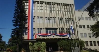 La Nación / Ministerio de Defensa confirmó que jueza violó ley de seguridad fronteriza al entregar tierras a extranjeros