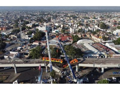 Sube a 24 fallecidos  por derrumbe del metro de México