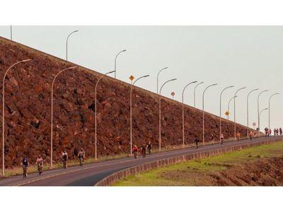 Se habilitó paseo en bicicleta por la usina de la Itaipú,  lado brasileño