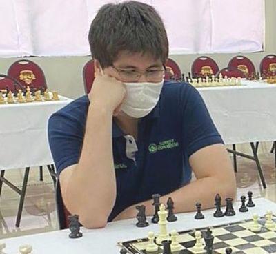 Augusto González gana un blitz