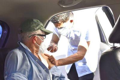 Estiman que desde el fin de semana se vacunará a personas de 70 años o más