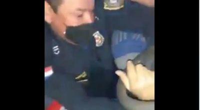 Comerciante denuncia irregular procedimiento policial y procesan a dos uniformados