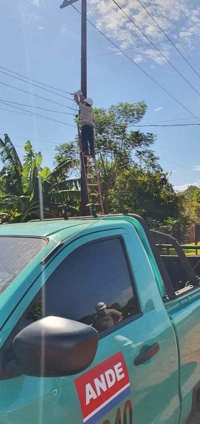 ANDE intervino 120 conexiones clandestinas alrededor de la costanera Ñande Renda