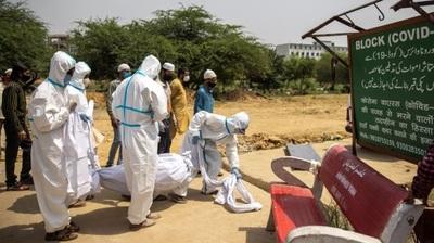 Covid-19 en India: nuevo récord de muertes diarias y los casos volvieron a aumentar