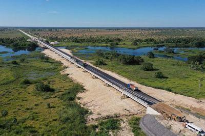 Labores de asfaltado de la ruta Pilar – Alberdi registran 87% de avance