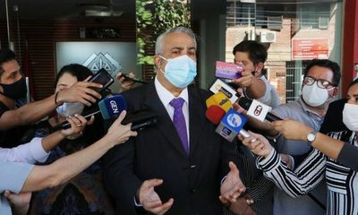 Investigarán cuál fue la cuadrilla que inmunizó a Gusinky en su casa