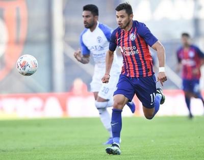 Ángel Romero se perderá dos importantes partidos por cuadro de Covid-19
