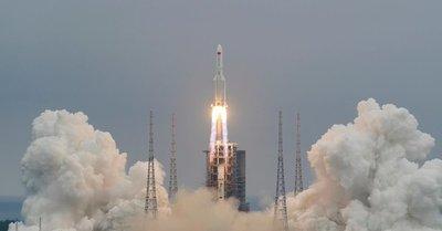 El Pentágono monitorea trayectoria de un cohete fuera de control, los restos impactarán en cualquier lugar del planeta