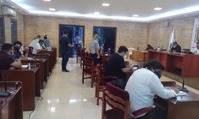 Concejales de CDE nuevamente huyen de su tarea al dejar sin quórum sesión