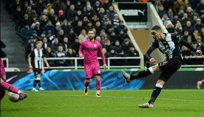 Versus / Las dos últimas jornadas de Premier League tendrán público en los estadios