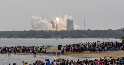 """La Nación / Cohete chino: """"Larga Marcha"""" rumbo a la luna y Marte"""
