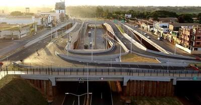 La Nación / Frentistas amenazaron con manifestarse e Itaipú habilita multiviaducto parcialmente