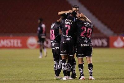 Versus / El Independiente del Valle de Brian Montenegro golea al Universitario