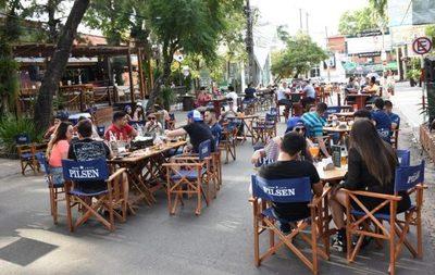 Califican de positiva la habilitación de bares en calles de Asunción