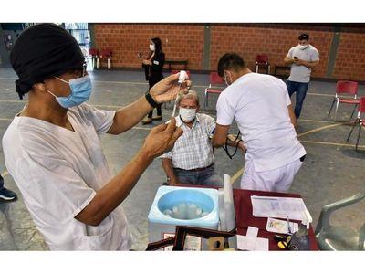 Gobierno confirma retraso de llegada de vacunas indias