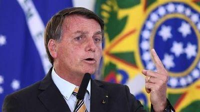 Bolsonaro amenazó con sacar un decreto para eliminar el confinamiento