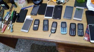 Incautan más de una docena de celulares en la Penitenciaría de Concepción