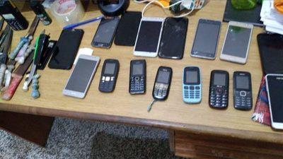 Incautan 16 celulares en la penitenciaría de Concepción