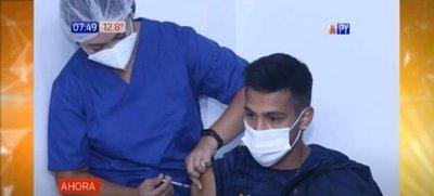 Planteles del fútbol paraguayo ya son inmunizados contra la covid-19