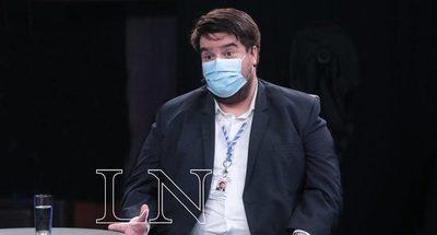 """Médico se llama a """"silencio"""" en redes ante """"amenaza de incineración mediática"""" por productor del noticiero"""