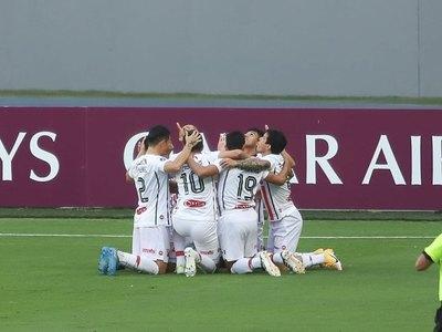 Versus / River Plate busca sorprender a Peñarol