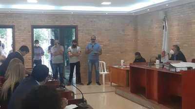 Comerciantes del mercado zonal dicen que concejales apoyan a ocupantes de veredas