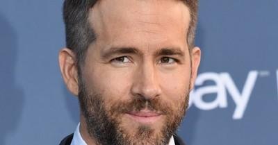 """""""Me estoy dando un baño. ¿Quieres unirte?"""": Ryan Reynolds revela hilarante anécdota de su madre para promocionar sus empresas"""