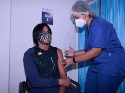 Un paso histórico en el fútbol paraguayo, jugadores se vacunan contra el Covid