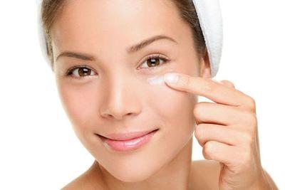 Vaselina: uno de los mejores y menos costosos humectantes para la piel