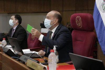 Senado acepta la renuncia de Mirta Gusinky