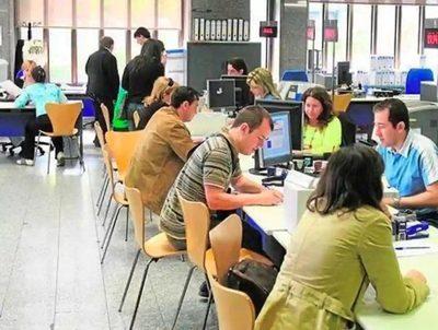 """Empleo: especialista sostiene que hay una """"fijación"""" por puestos administrativos · Radio Monumental 1080 AM"""