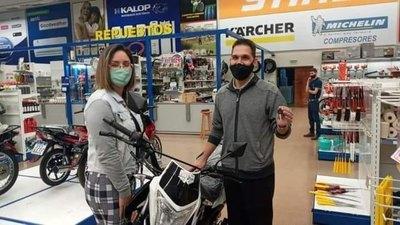 Crónica / Le robaron su moto a docente y recibió una sorpresa