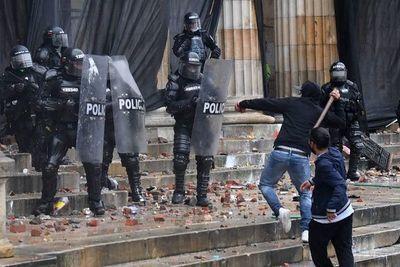 Congresistas de EE.UU. inquietos por uso de la fuerza en protestas en Colombia