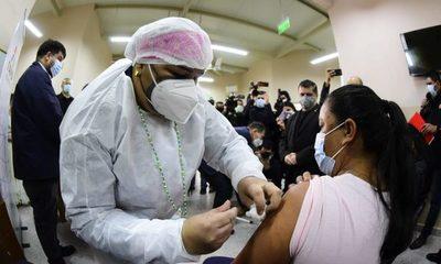 Salud inicia inmunización contra la influenza