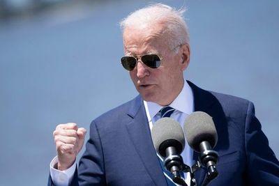 """Biden, """"harto"""" de que grandes empresas no paguen impuestos """"justos"""" en EE.UU."""