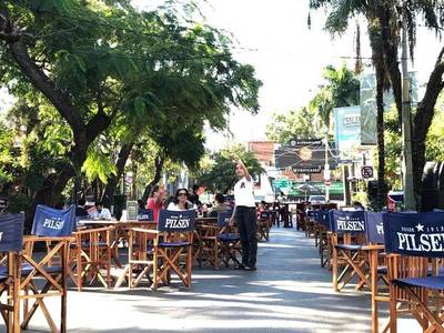 Una luz al final del túnel mediante la apertura de bares en las calles de Asunción