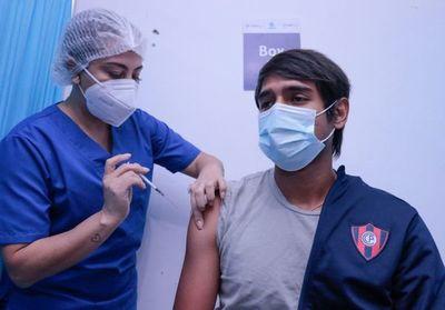 Luqueño, Cerro y Guaraní ya se inmunizaron