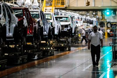 La actividad industrial en argentina crece un 32,8 % interanual en marzo