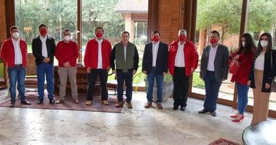 La Nación / Candidatos de la ANR de Paraguarí se reunieron con Horacio Cartes
