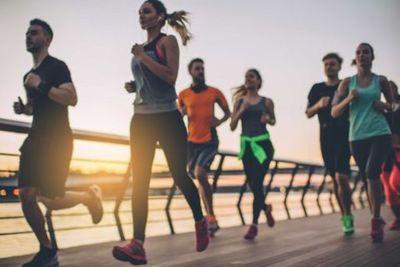 Por qué la actividad física resulta una buena defensa para hacerle frente al COVID