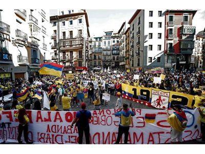 Colombia llama al diálogo, pero continúan las protestas
